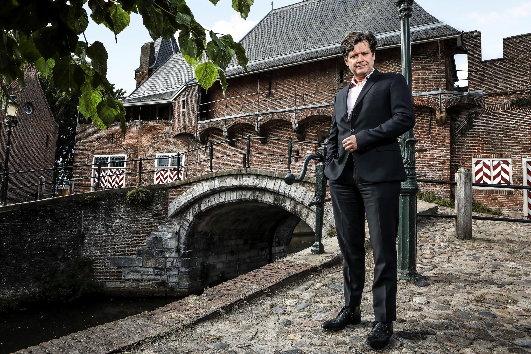 foto-joeke-v-waesberghe-liggend-website